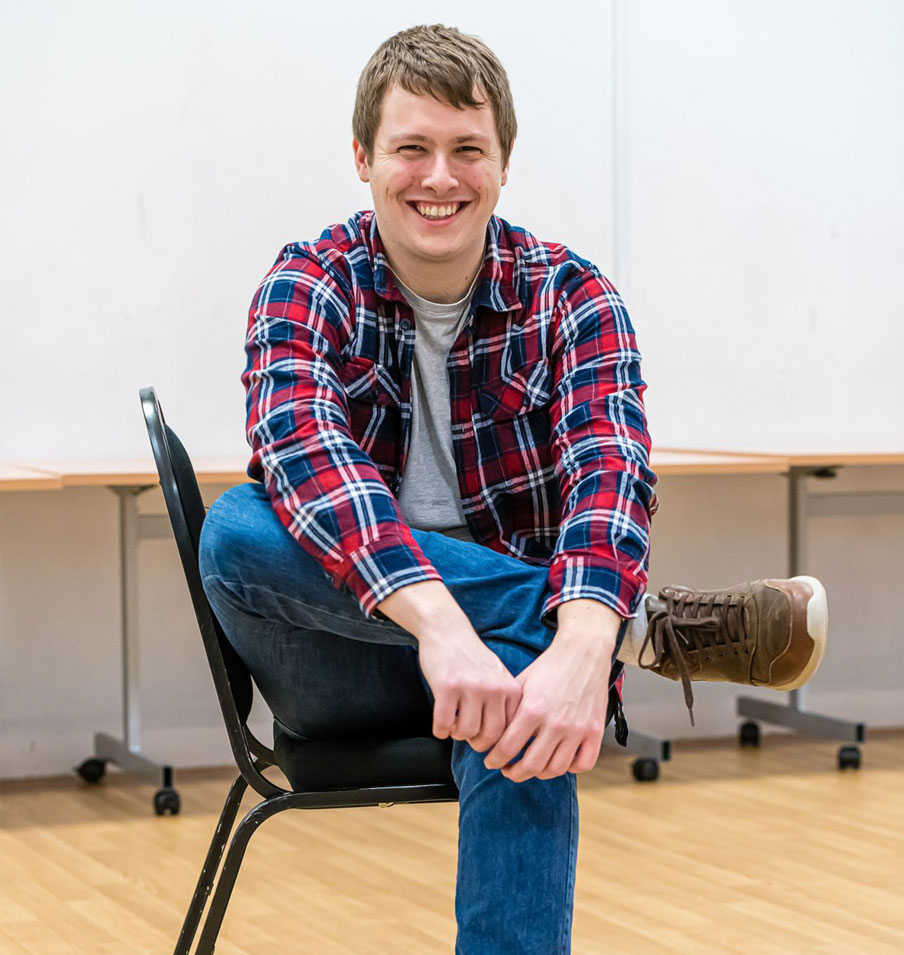 Ryan Leder Writer